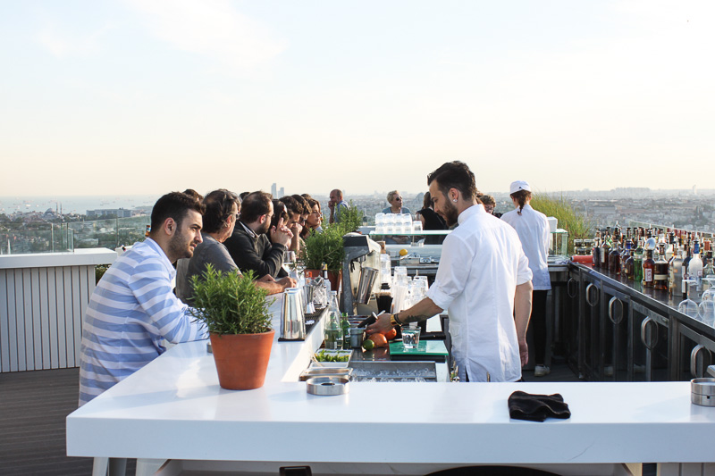 Istanbul_City_Travel-Marmara_roof_bar_1