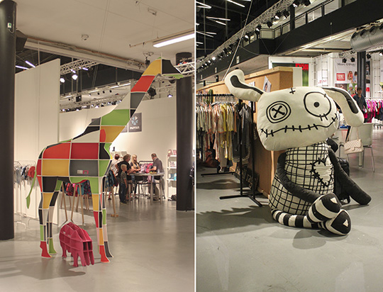 giant girafe by Arkitektur Ministeriet and small rags